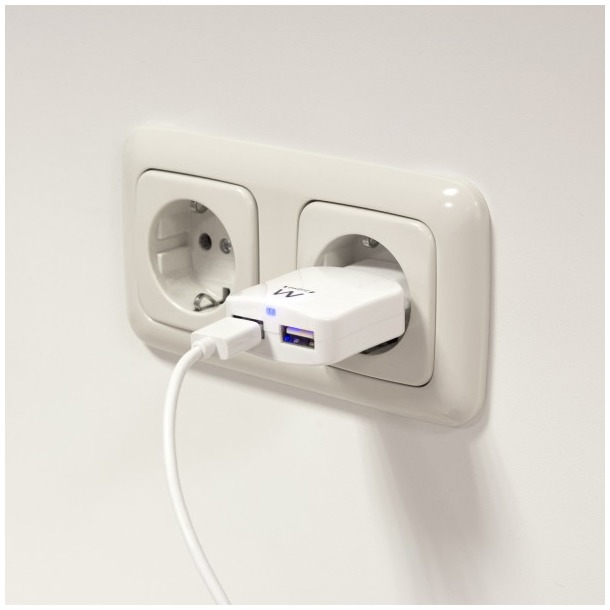 Ewent EW1302 - Universele lader met 2 USB-poorten (2.4A) wit