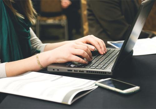 Beste Laptop voor school of studie | Expert helpt je verder