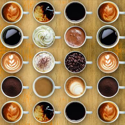 Koffiekopjes met verschillende soorten koffie