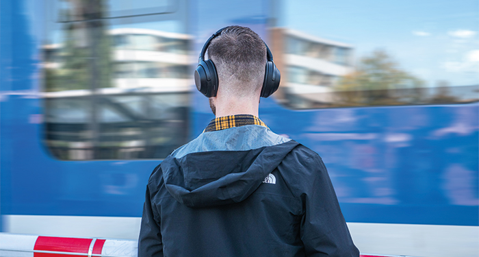 Muziek luisteren in het openbaar vervoer